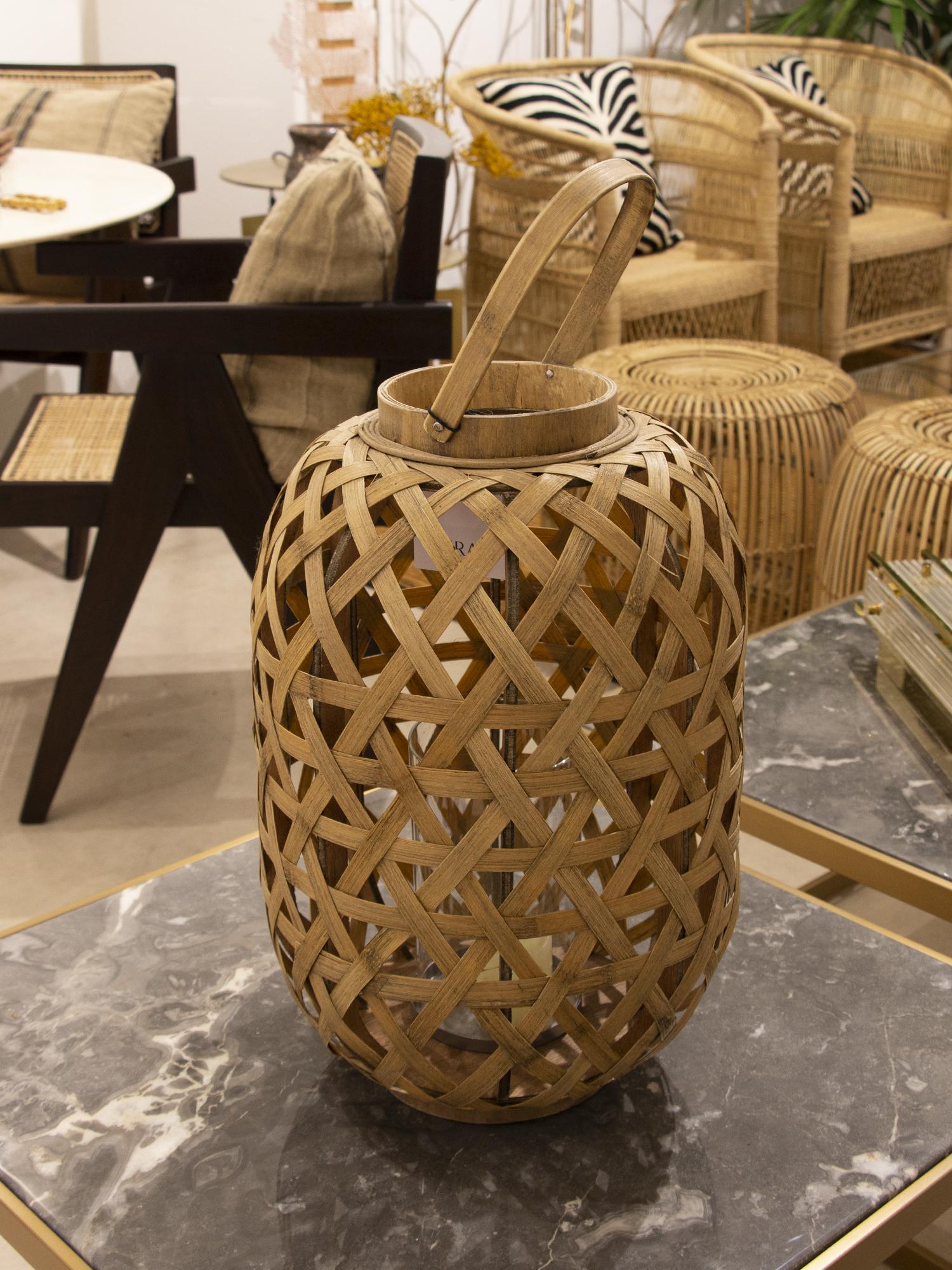 Farol grande en bambú natural.